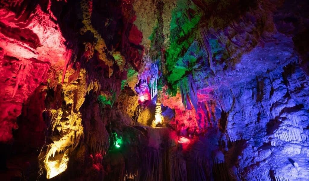 The cave of meramec caverns in Missouri