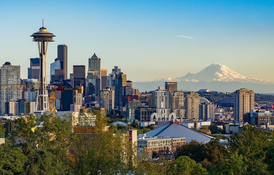 The skyline of Washington state, the needle and Mount Rainier