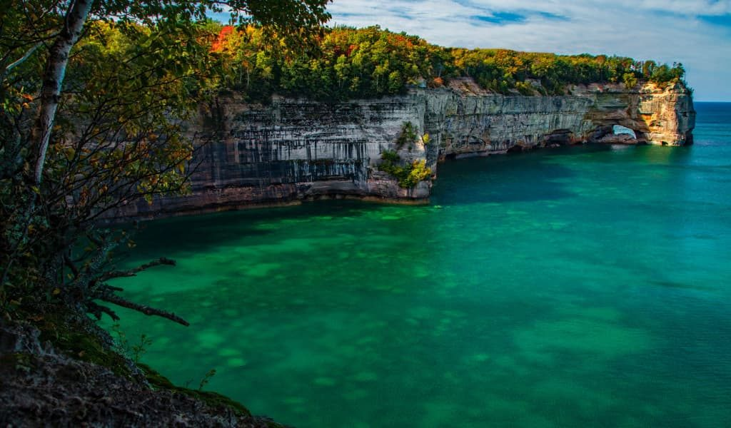 The popular and famous Pictured Rocks National Lakeshore